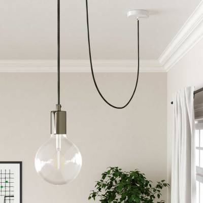Chroom metalen wand- of plafondlamp.